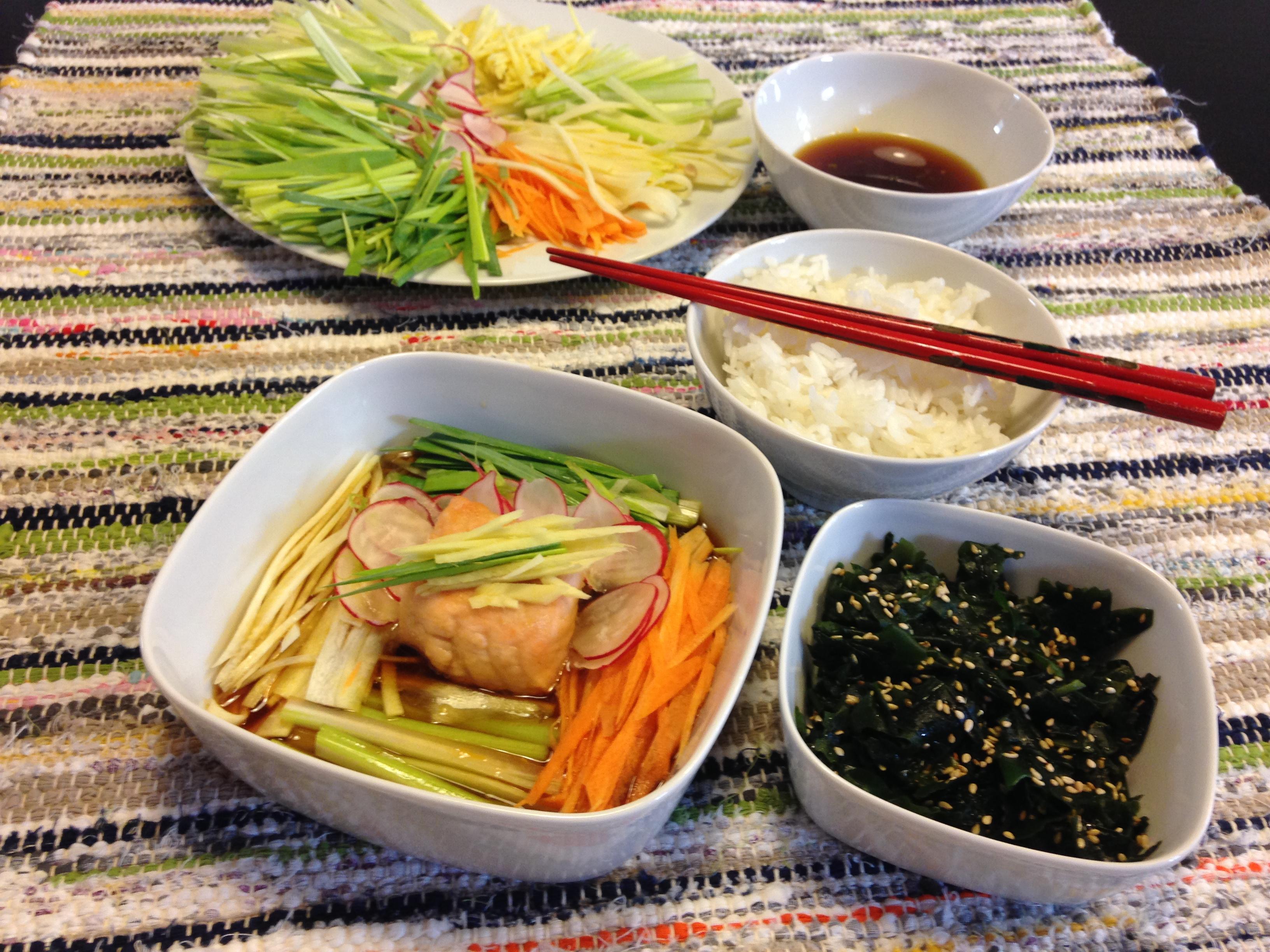 Petits légumes et saumon au bouillon nanbanzuke