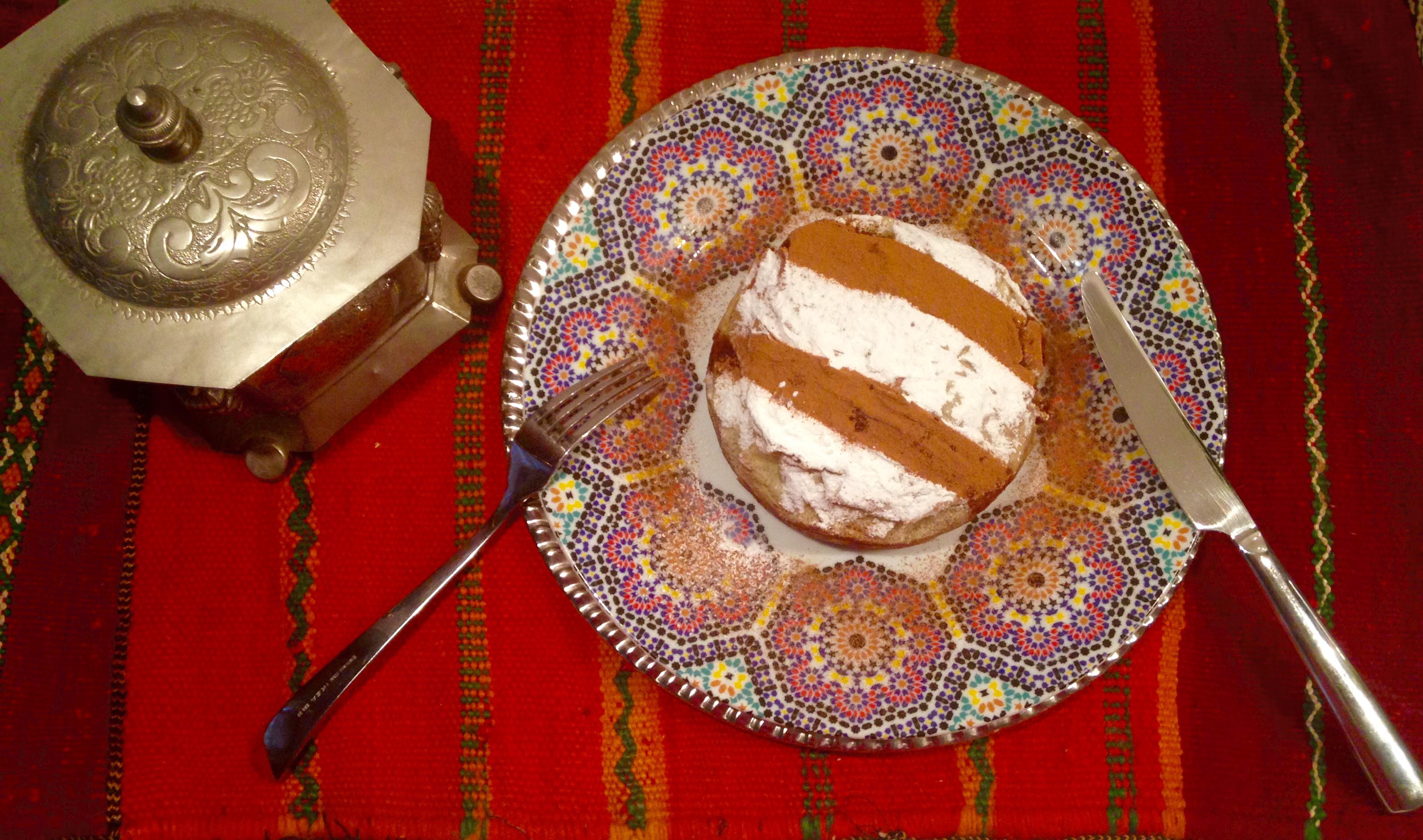 Pastilla  à la pintade ,pommes et poires