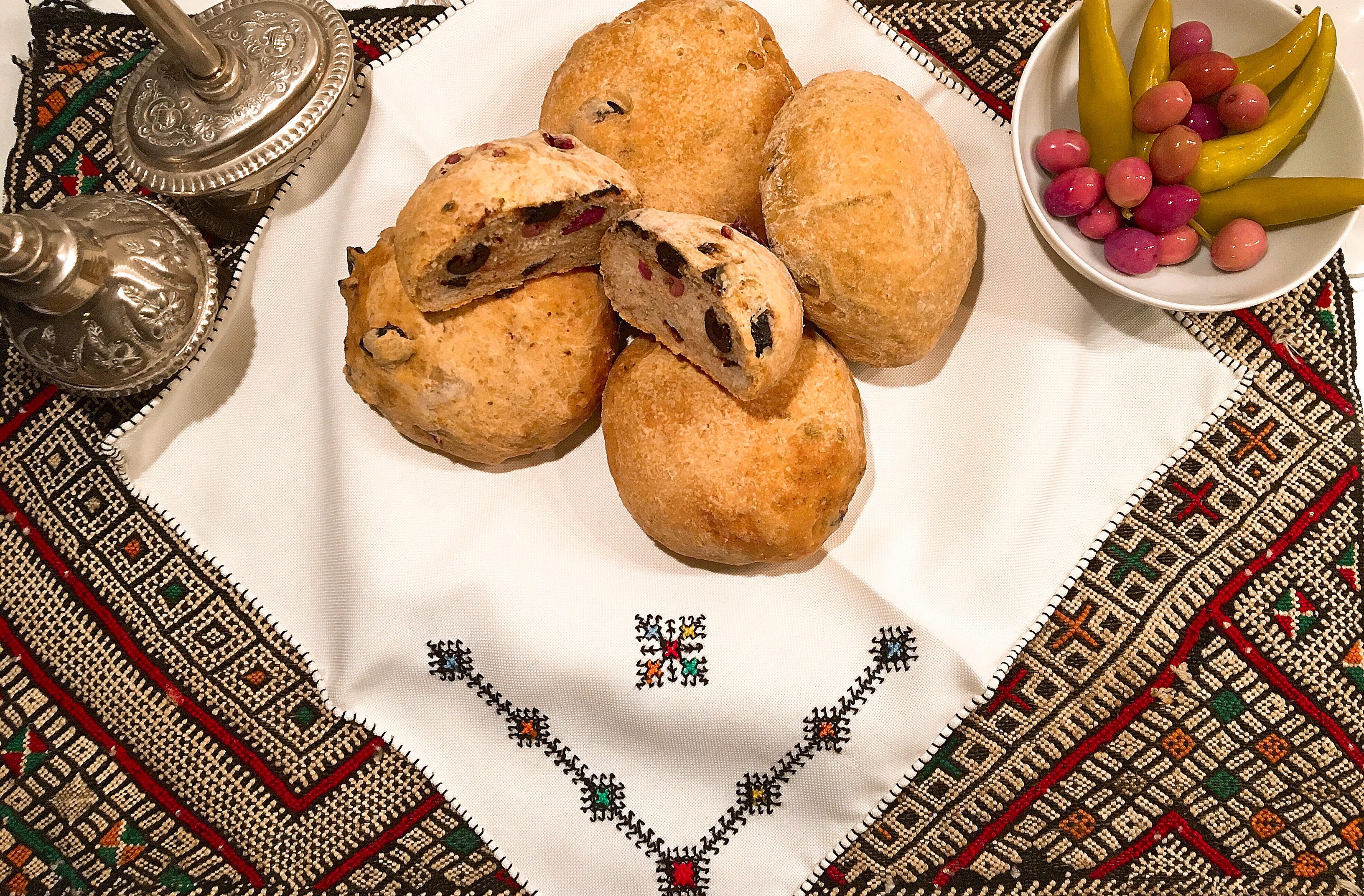Petits pains au yaourt et aux olives
