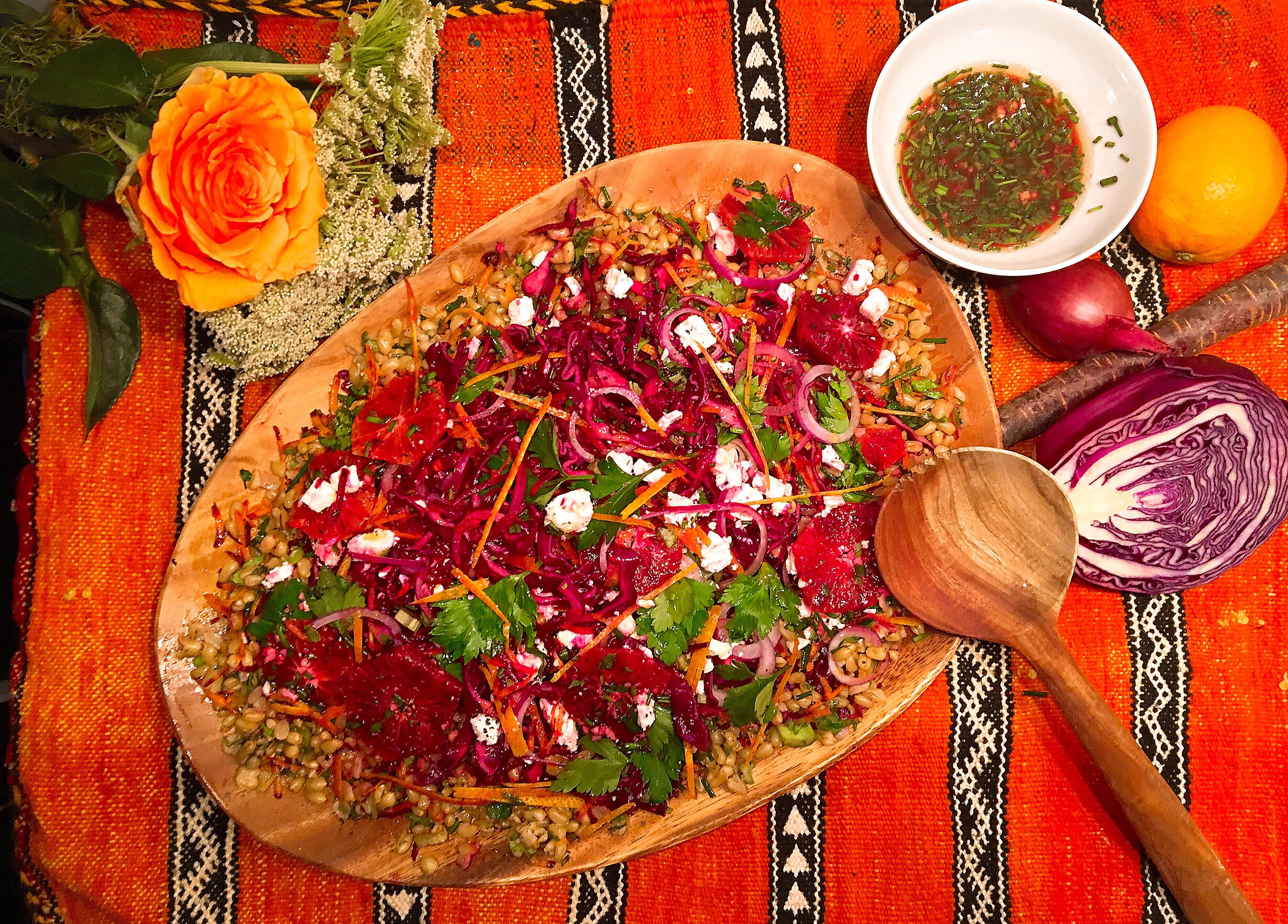 Salade hivernale au blé de khorasan (kamut), chou rouge et  oranges sanguines