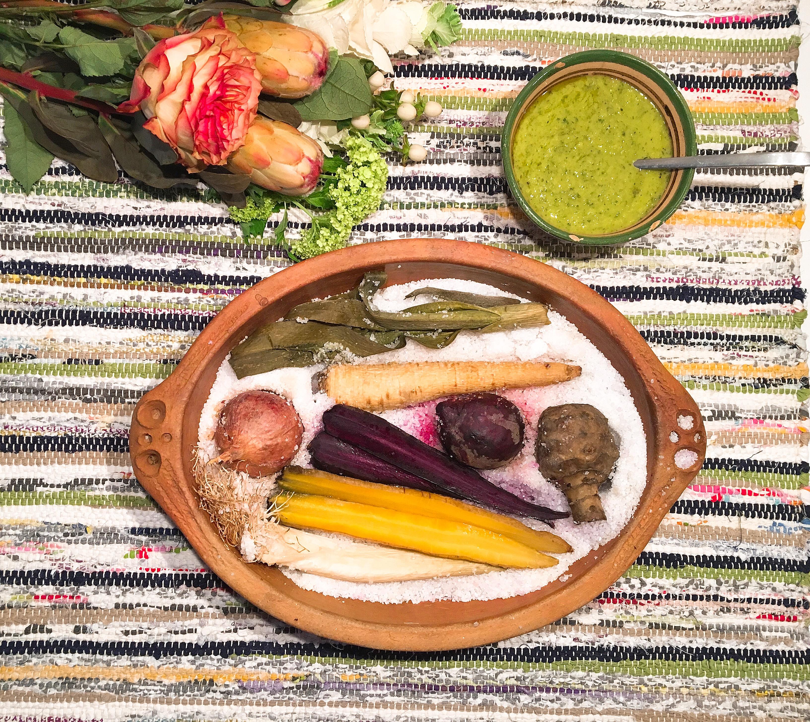 Legumes flemmards en croute de sel, condiment au persil et au céleri vert