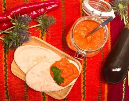 Ajvar, le volcanique et balkanique dip aux aubergines et poivrons