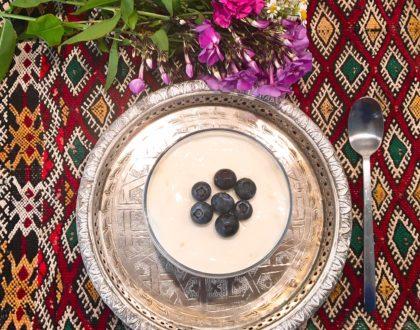 Mousse de yaourt à l'agar-agar et aux myrtilles