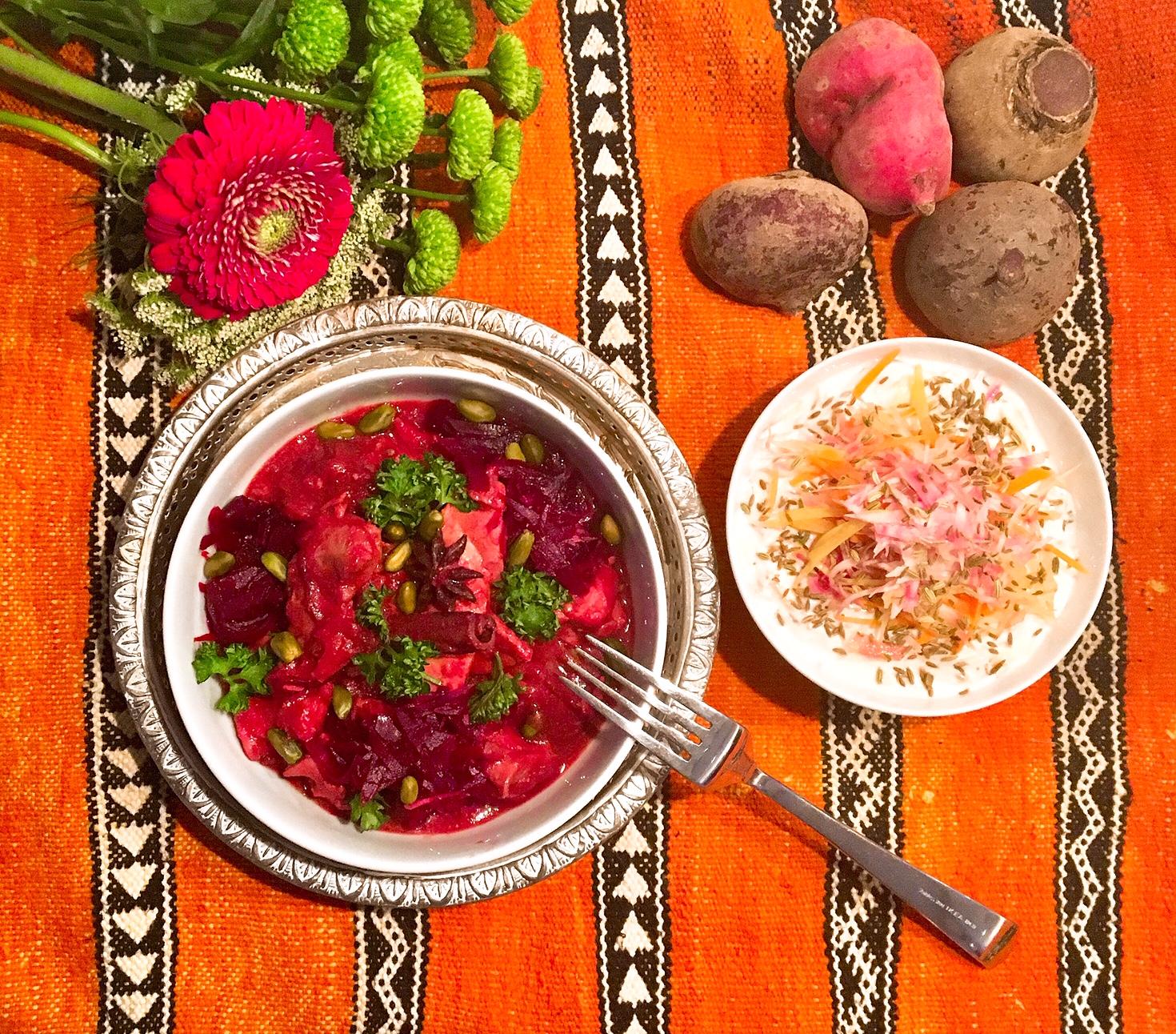Curry de poulet à la betterave, raita carottes-tonda di Chioggia