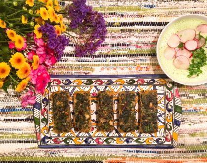 Koukou Sabzi (fritatta persane) aux épinards, sauce aux radis