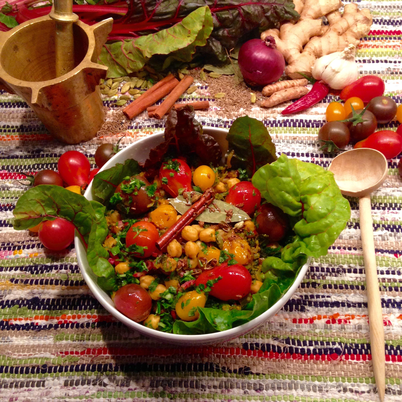 Curry de pois chiches aux bettes et aux tomates cerises