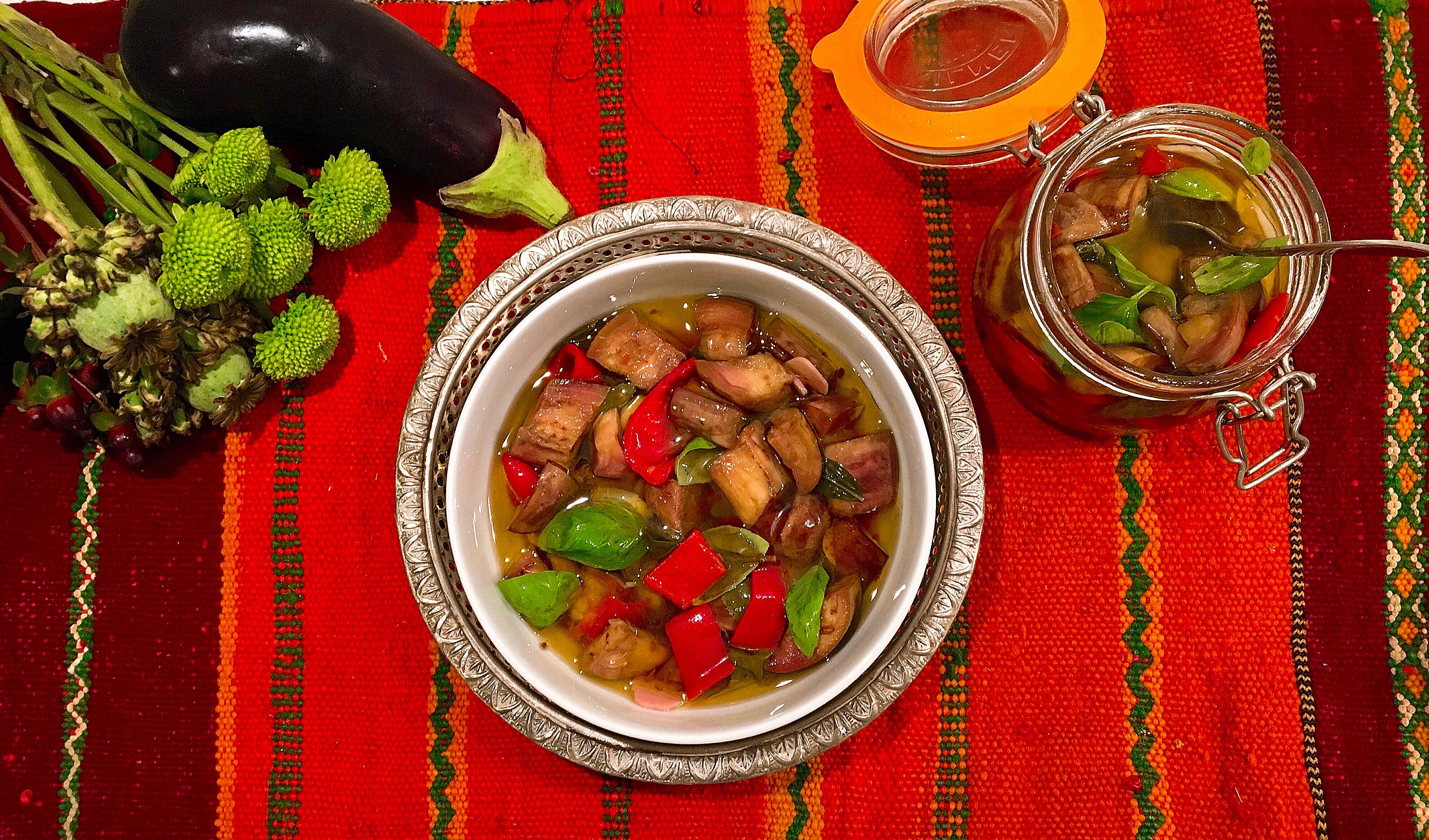 Pickles d'aubergine au poivron et à l'ail