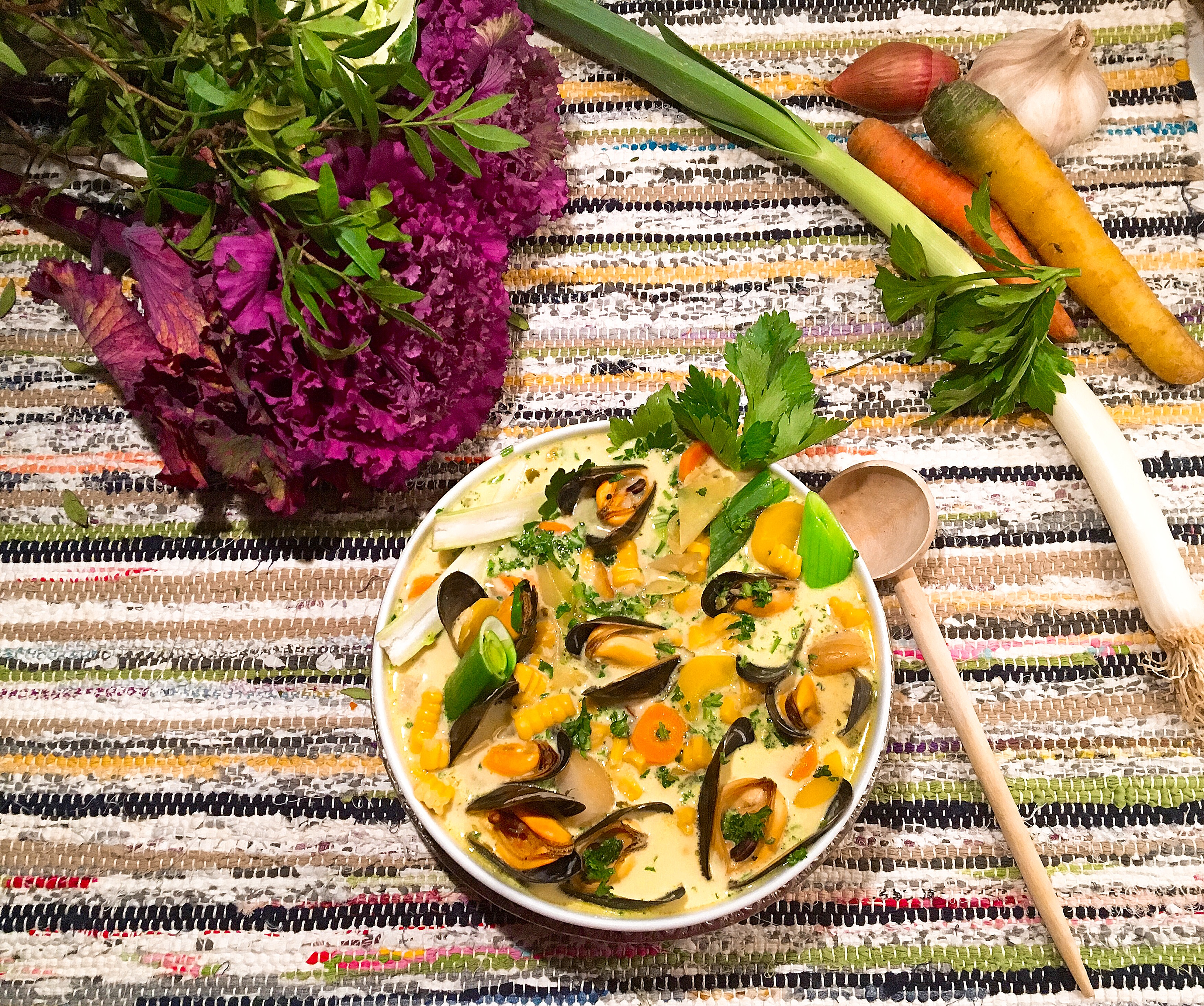 Soupe aux moules, safran et légumes de saison façon chowder