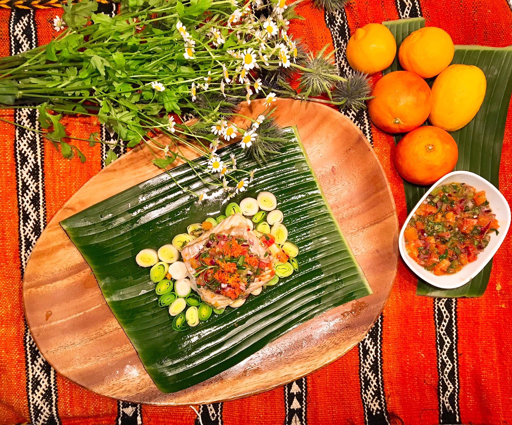 Vapeurs de lieu noir et de poireaux à l'huile d'argan, sauce vierge aux oranges sanguines
