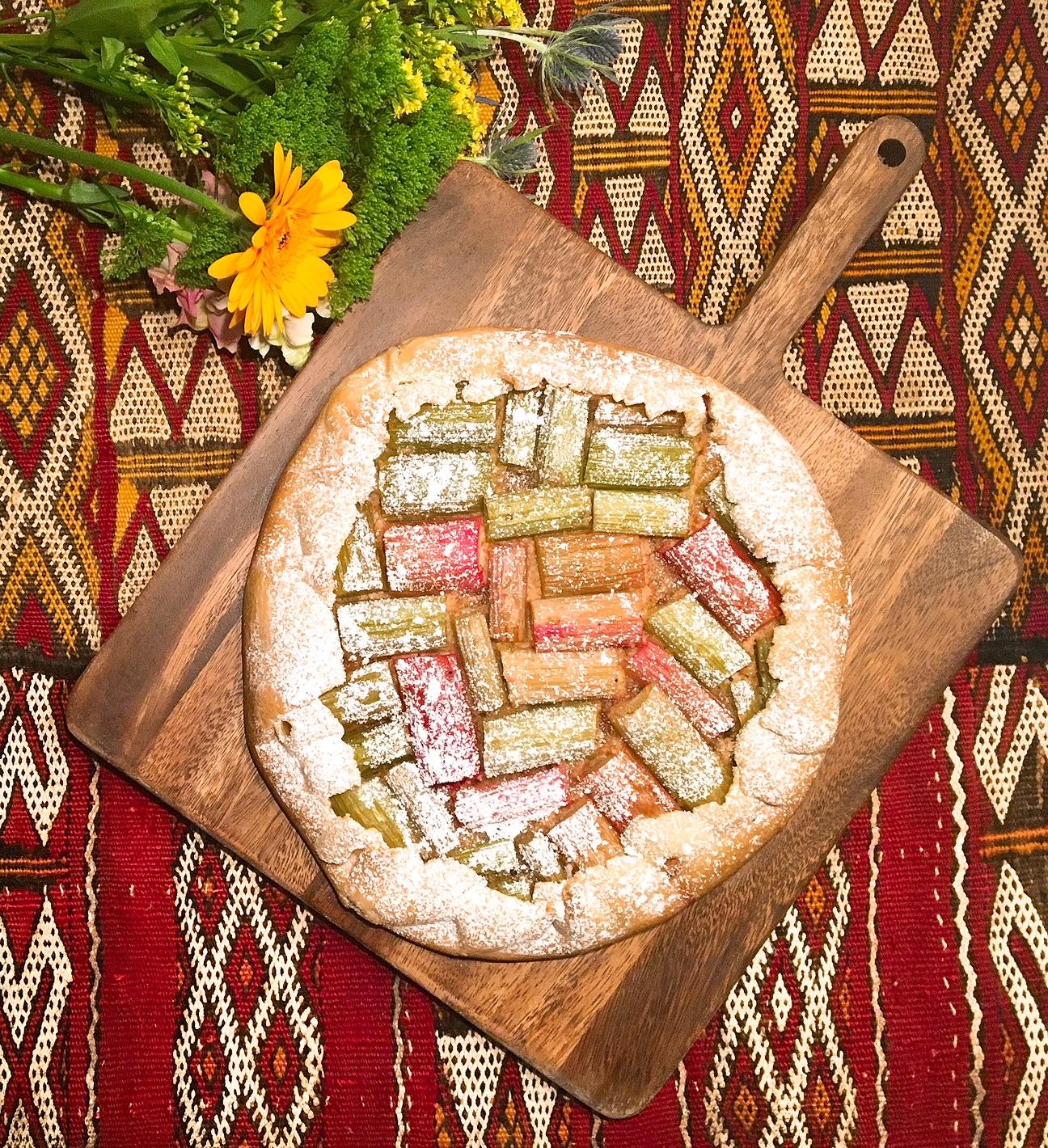 Croustade de rhubarbe aux amandes et au gingembre