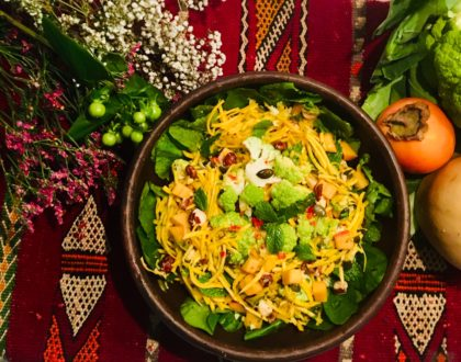 Salade crue de butternut et de chou-fleur aux kakis, vinaigrette aux clémentines