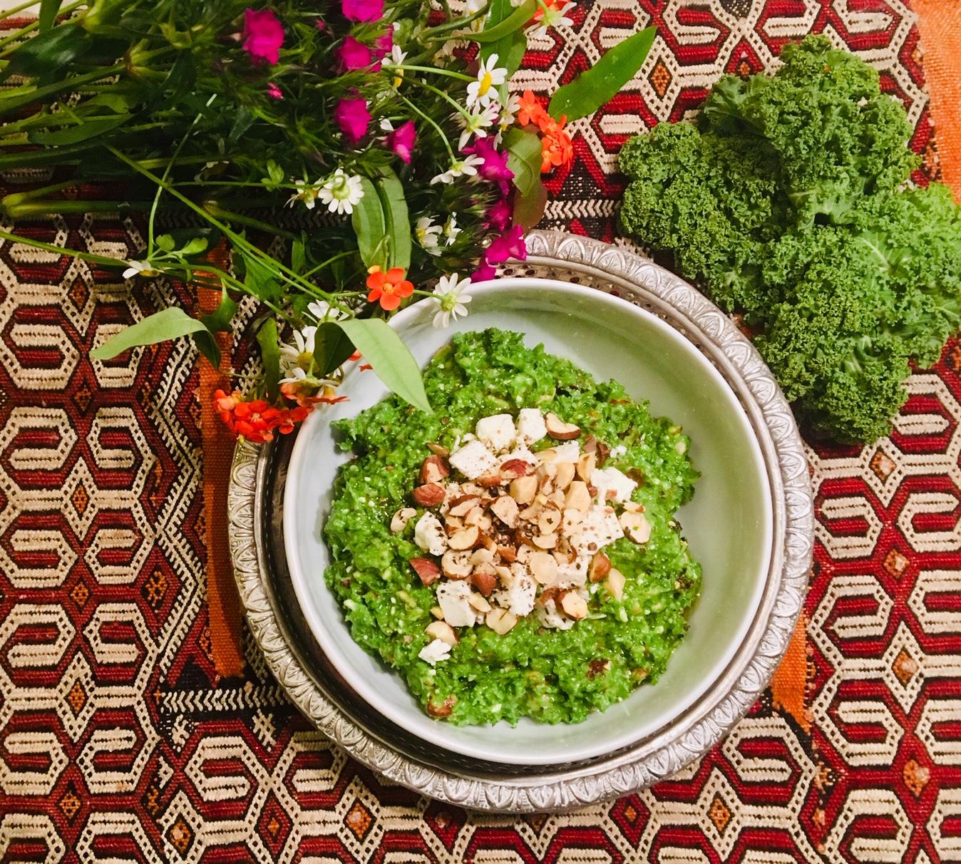 Pesto de chou kale à la feta et aux noisettes