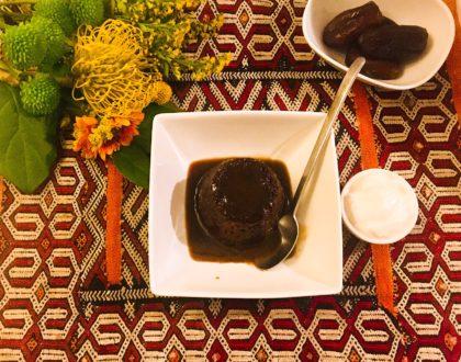 Sticky toffee pudding aux dattes et au sirop de liège